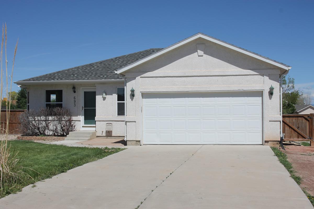 693 S Bond Re E, Pueblo West CO  81007