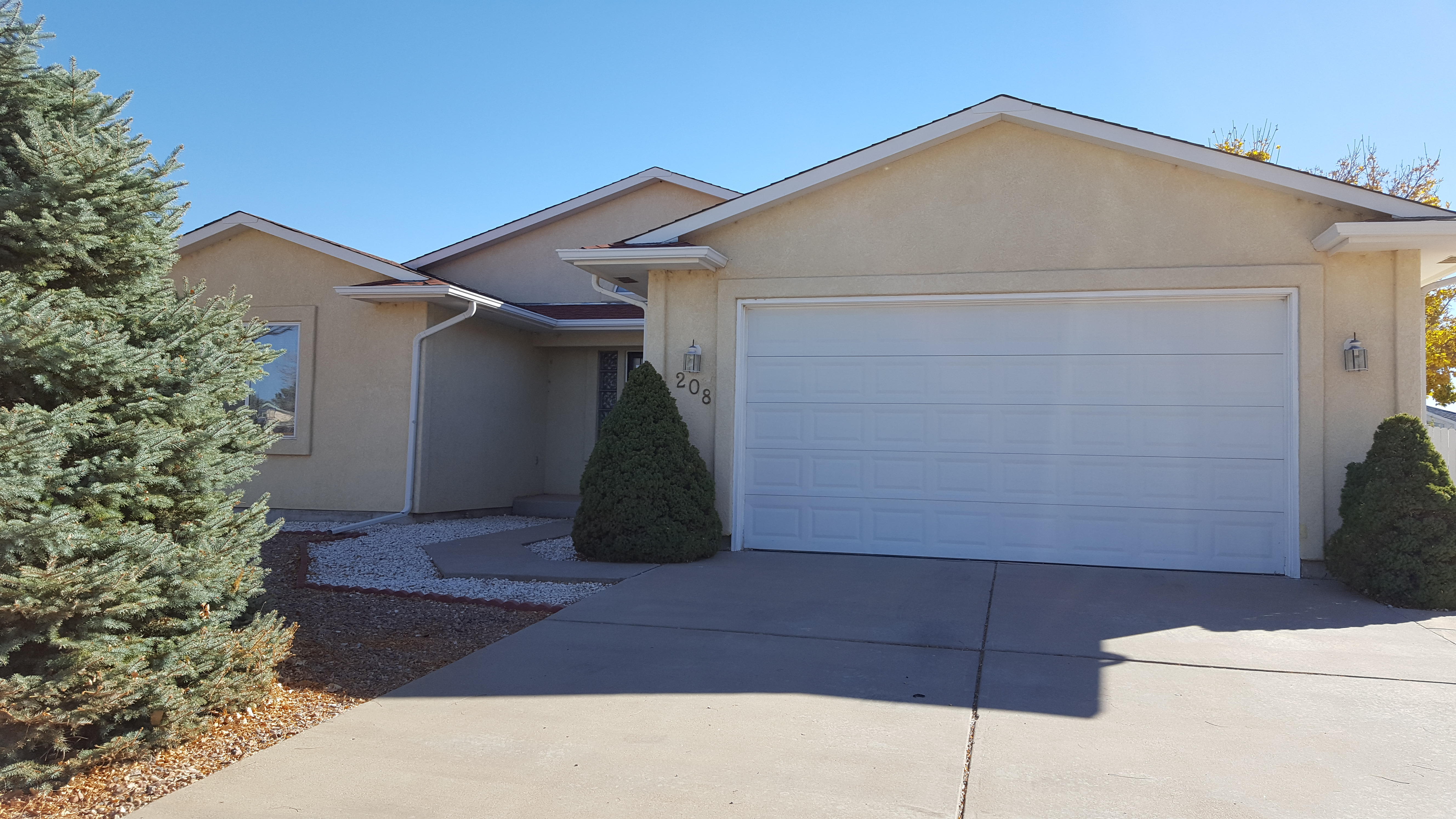 208 S Circle Dr, Pueblo West CO  81007